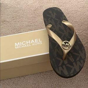 Michael khors flip flops